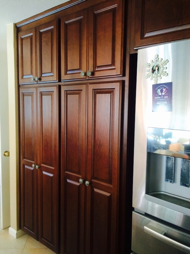 Change the color of your cabinets all things interior - Change kitchen cabinet color ...